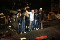 Neil Young & Ben Keith on stage in Toronto 2007