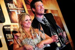 CMA Award Winners Miranda lambert and Blake Shelton