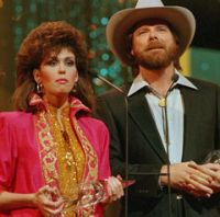 Dan Seals and Marie Osmond - Meet Me in Montana - Oct 1986