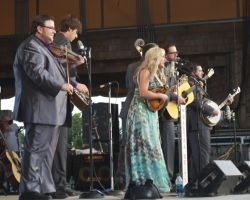 Rhonda Vincent & The Rage - On Stage