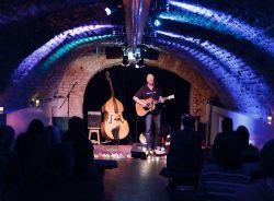 Eric Devries - on stage at the Kargadoor Utrecht
