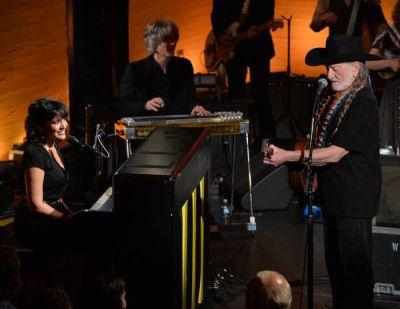 Willie Nelson & Norah Jones - Lonestar