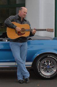 Audie Blaylock - lead-gitarist and singer