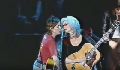 Emmylou Harris & Cheryl Crow - Juanita