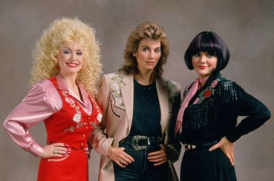 Dolly Parton, Emmylou Harris & Linda Ronstadt - Even Cowgirls Get the Blues